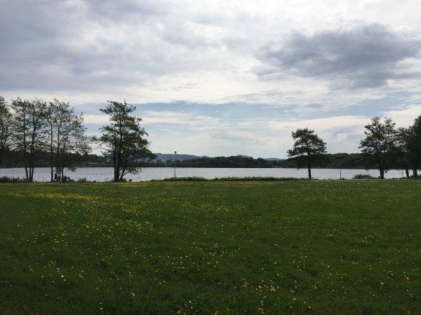 Avant la partie contre Anand, petit footing autour du Lac Mosvatnet… (photo MVL!)