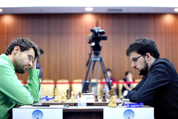 Aronian-Mvl, un combat épique (photo site officiel)