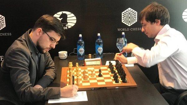 Le début de la partie décisive contre Jakovenko (photo Agon)