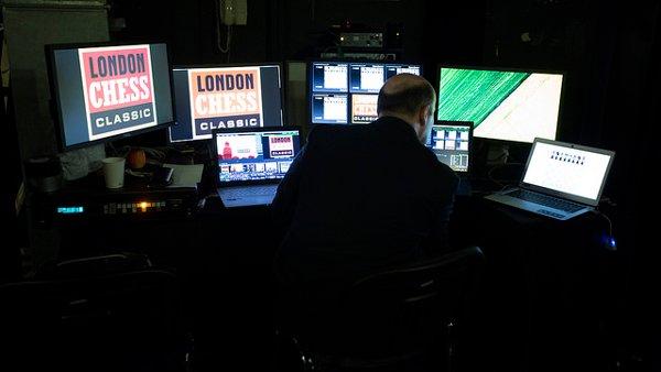 L'excellence française également représentée à Londres par le MI Etienne Mensch, en charge de la retransmission des parties (photo Spectrum Studios)