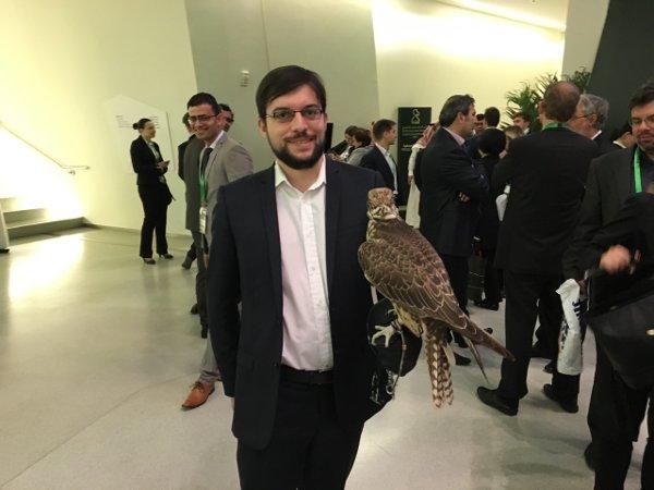 Maxime après la cérémonie d'ouverture, à laquelle était convié… un drôle d'oiseau!