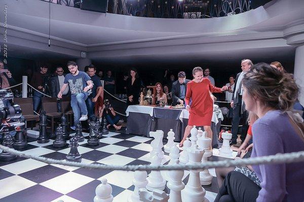 La fameuse «Bataille des sexes» sur un ring; ça joue ou ça danse? (photo John Saunders)