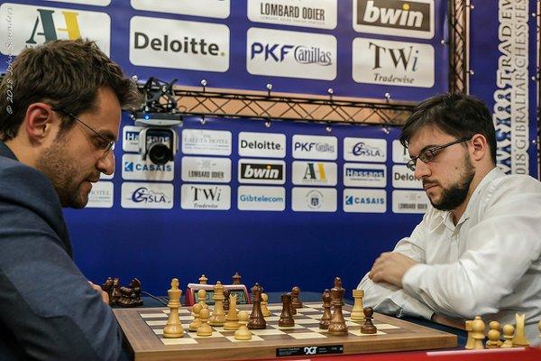 Le début de la fin dans le blitz décisif ; la position d'Aronian est gagnante (photo John Saunders)