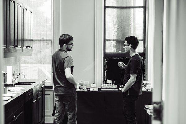 Dans les loges, en grande discussion avec Caruana (photo: GCT).