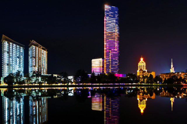 Batumi by night (photo mardihouse.ge).