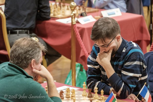 « Comment reprendre en e1 ? » en image… (Photo Chess.com/John Saunders).