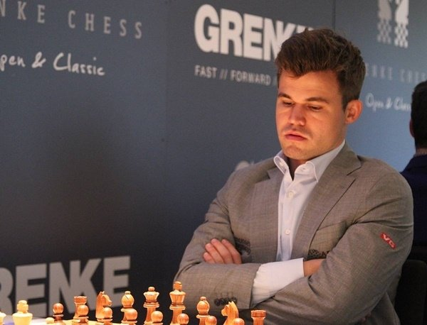 Carlsen over the moon in Grenke. (Photo George Souleidis).