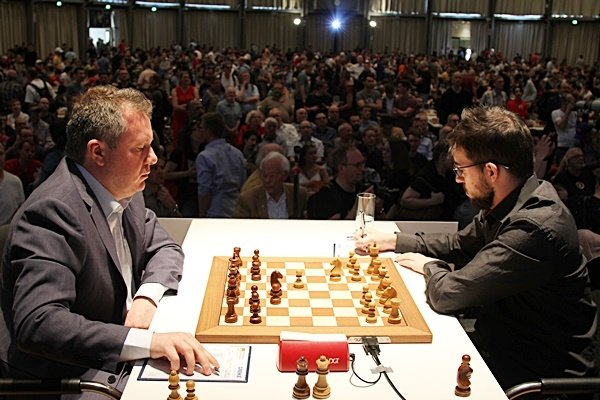 The beginning of a spectacular tactical fight with Naiditsch (Photo George Souleidis). .