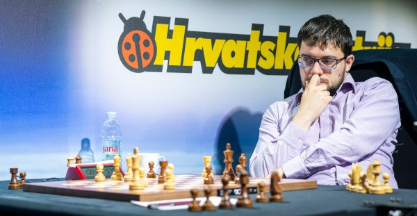 Last round; Carlsen isn't at the board, but he's just played 31.a3! and black's position collapses. Zagreb, a tournament to forget… (Photo: Leenart Ootes, GCT).