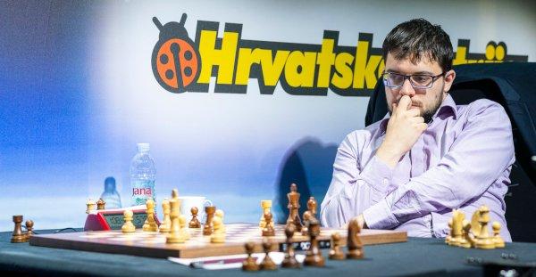 Dernière ronde; Carlsen est debout, mais il vient de jouer 31.a3! et la position noire s'écroule. Zagreb, un tournoi à oublier… (Photo : Leenart Ootes, GCT).