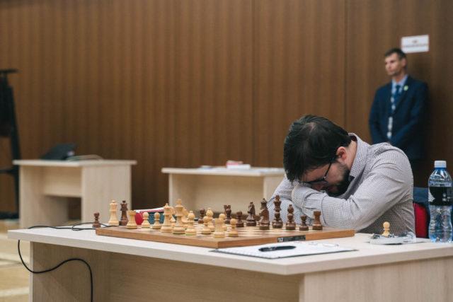 C'est pas facile, mais je vais quand même le jouer, ce 7…h5 ! (photo : Fide).