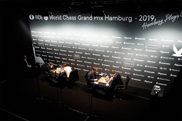 Les demi-finales vues du dessus (Photo : Valeria Gordienko/World Chess).