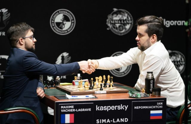 Nepo resigns and the tournament ends with the two players in the lead (Photo: Emelianova/Fide).