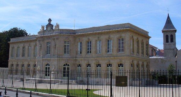 Le château d'Asnières - Image : Wikipedia